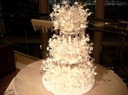 Paper leaves wedding cake