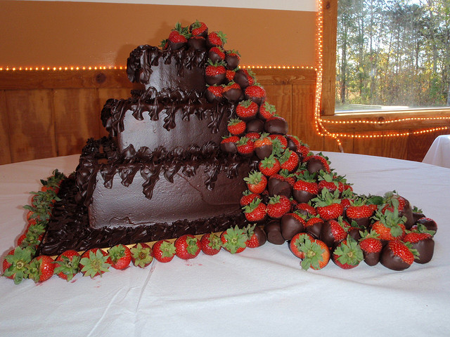 wedding cakes with chocolate covered strawberries on top chocolate wedding cakes a wedding cake part 9 26006