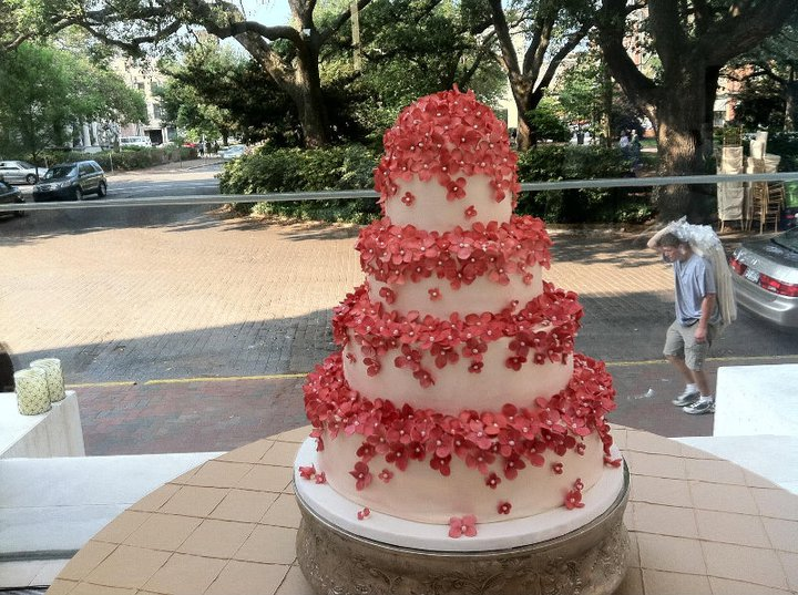 wedding cake pictures with cascading flowers cascading pink flower wedding cake a wedding cake 23446