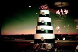 Emerald Green Ribbon and Diamond Brooch Cake