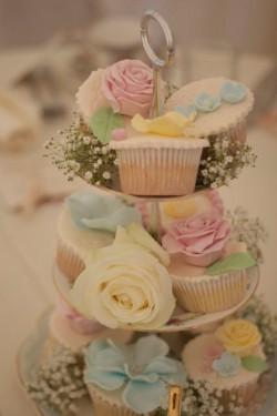 Vintage cupcake 3