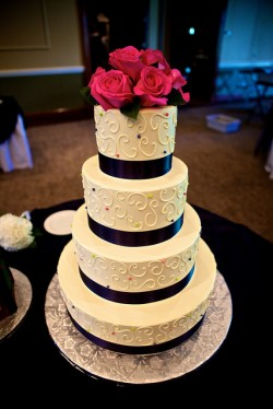 Polka Dot and Roses Cake