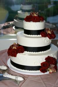 Dark Roses Cake