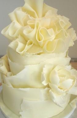 Ruffle White chocolate Cake