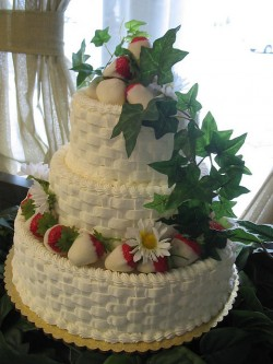 Basketweave strawberry cake