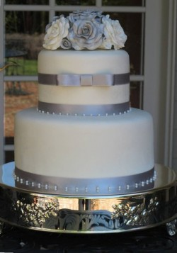 Silver and Roses Wedding Cake