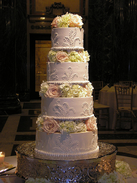 grand wedding cake designs white on white wedding cakes a wedding cake 14897