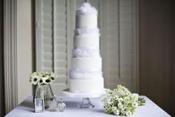 feathers wedding cake