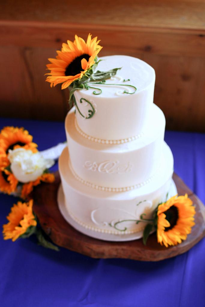 Sunflower Wedding Cake Photos With Fountain