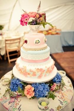 Diy Dreamy Vintage English Wedding Cake