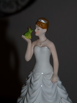 Frog and Bride cake topper