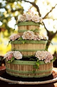 flower basket wedding cake