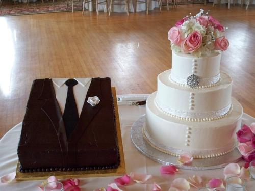 bride and groom wedding cakes groom s cake a wedding cake 2071