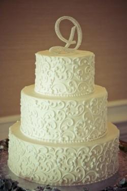 White Scroll Cake-001