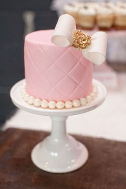 quilted pink wedding cake