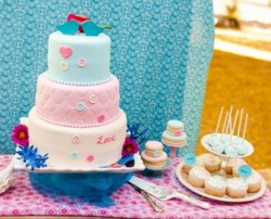 Button and Quilting Wedding Cake