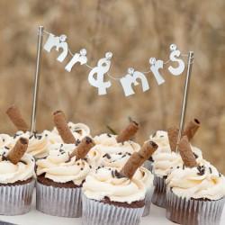 030-20774-mr-mrs-banner-cake-pick-l