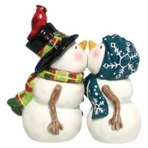 Kissing-Snowmen-Winter-Wedding-Cake-Topper-