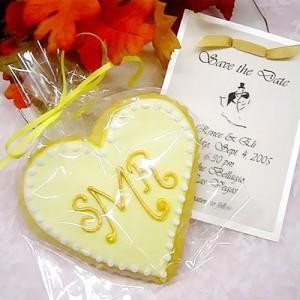 monogram-heart-cookie-500