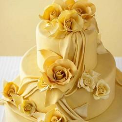 yellow rose cake