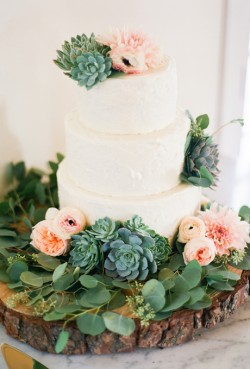 Wedding-Cakes-with-Flowers-Leila-Brewster-cake-The-Butter-End
