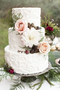 fall wedding cake with roses