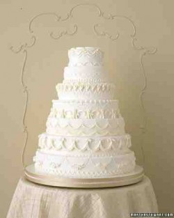 white classic cake