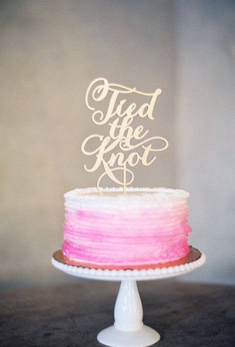 One Tier Pink And White Wedding Cake A Wedding Cake Blog