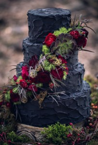 black-cake-with-fall-flowers
