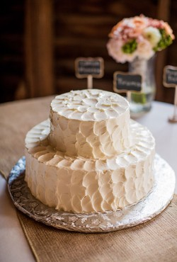 rustic-white-cake