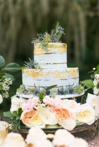 gold-and-white-cake2