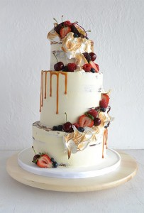 rustic-cake-with-caramel