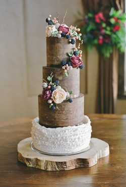 rustic-fall-cake-with-flowers