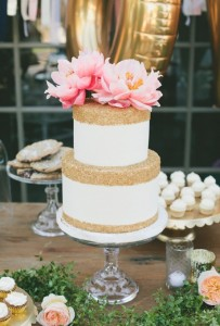 gold and white cake3