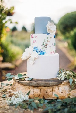 blue and white cake3