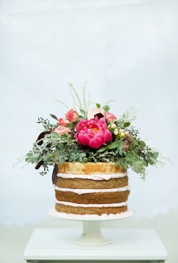 naked cake with flower2