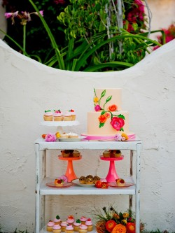 floral cake and cupcakes