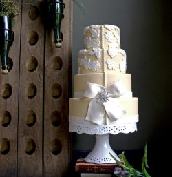 cake with bows2