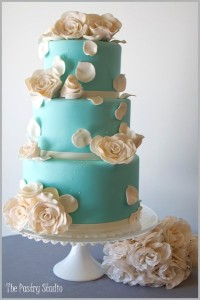 blue and white cake4