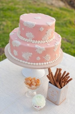 vintage pink cake